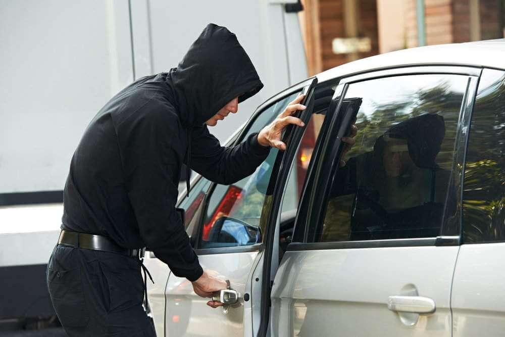 Lokalizator GPS w samochodzie ? dlaczego warto go zainstalować?