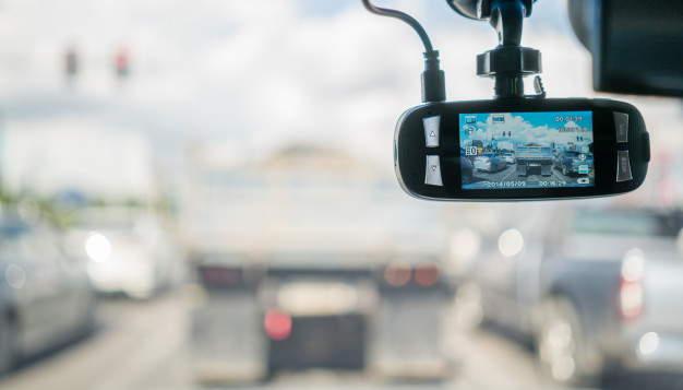 Wideorejestrator w samochodzie. Czy warto go posiadać?