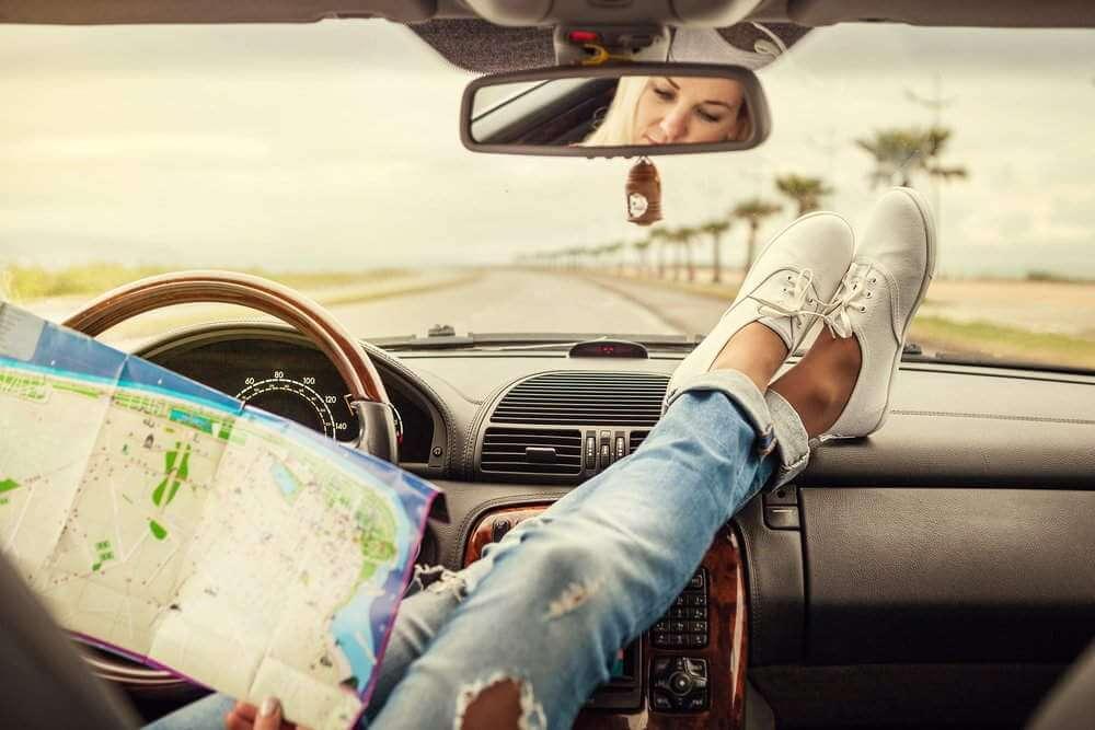 O czym powinieneś pamiętać, wybierając się w podróż samochodem?